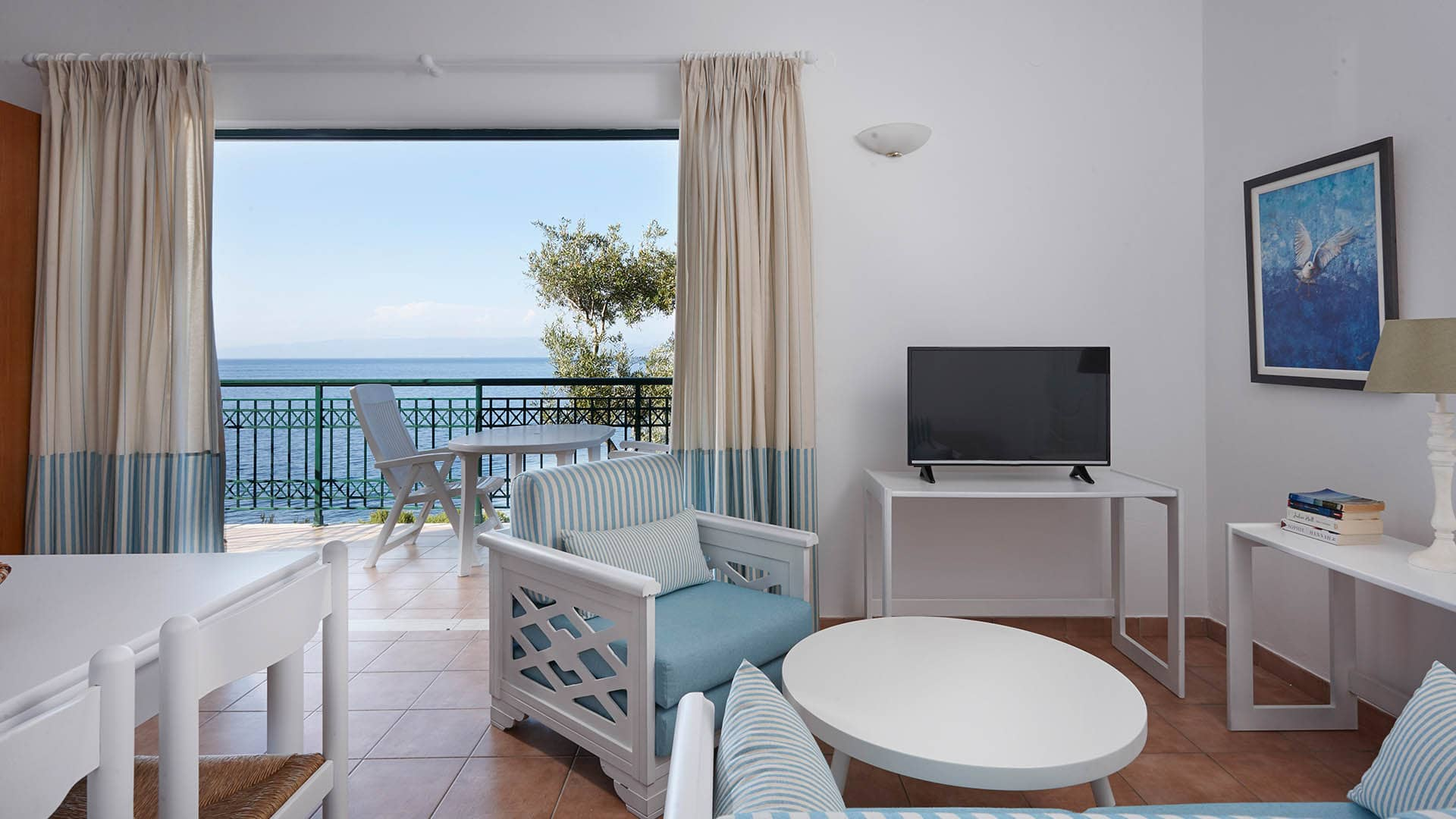 2 BEDROOM RESIDENCE WITH SEA VIEW