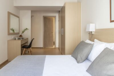 SUPERIOR DOUBLE OR TWIN ROOM 4