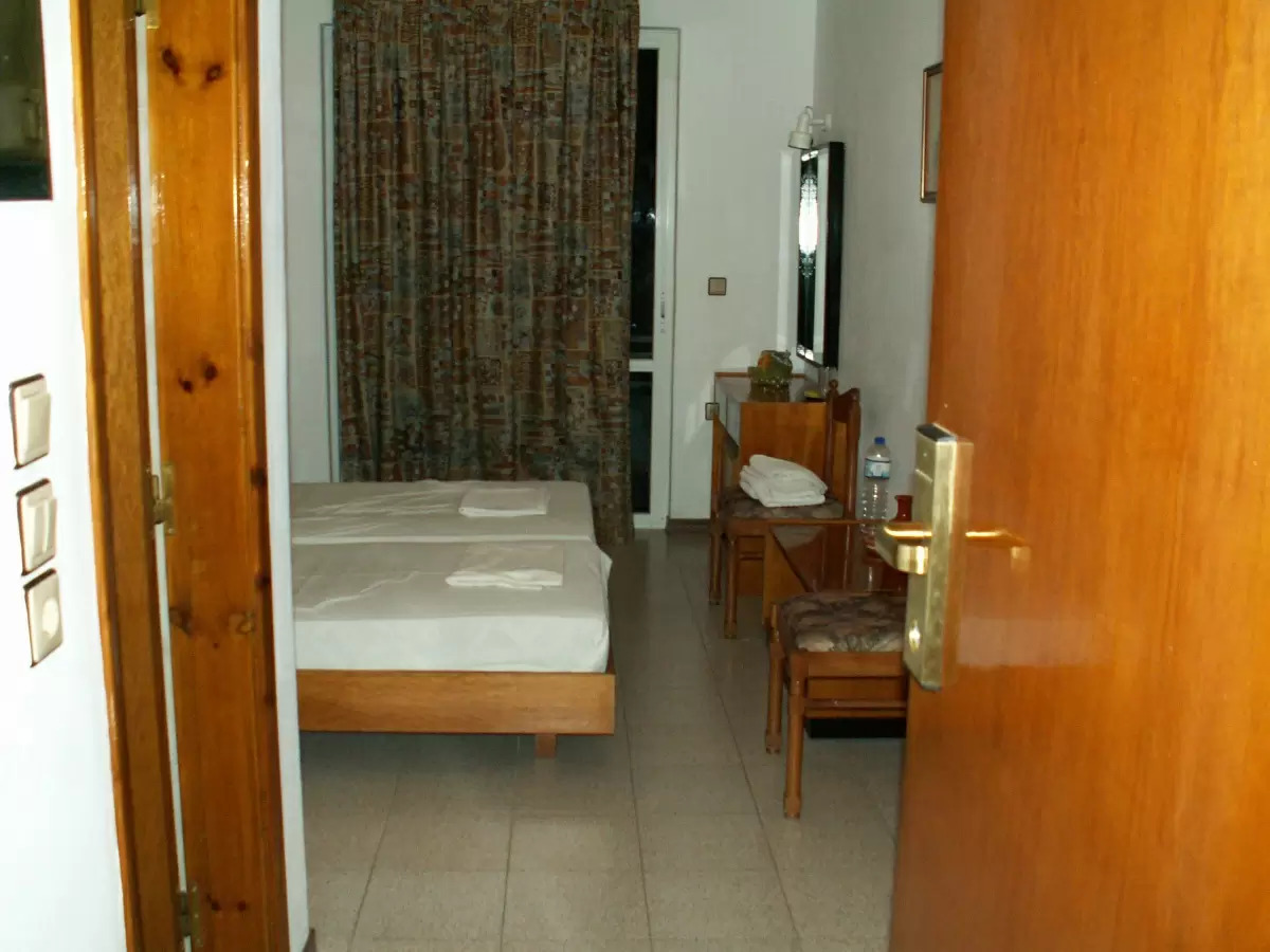 Double Or Twin Room With Garden & Side Sea View